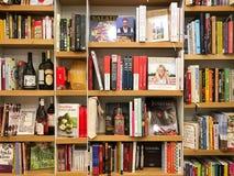Ultimo cuoco famoso Books For Sale nel deposito di libro delle biblioteche fotografia stock