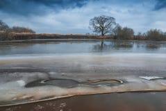 Ultimo ghiaccio su un fiume Fotografia Stock Libera da Diritti