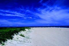 Ultra Blauw Strand Stock Fotografie