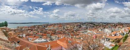 Ultra breiter Panoramablick von Lissabon Lizenzfreies Stockfoto