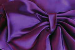 Ultra Violet Purple Satin Fabric Bow foto de stock royalty free