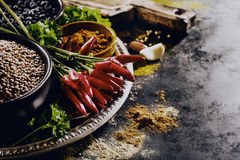Ultramarinos apetitoso sabroso hermoso de las especias de los ingredientes para Cookin Fotografía de archivo