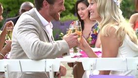 Ultrarapidföljd av bruden och brudgummen At Reception stock video