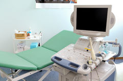 Ultrasounden bearbetar med maskin Fotografering för Bildbyråer