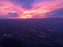 Ultraviolet sky - Zonsondergang in Yuanyang-Rijstterrassen Royalty-vrije Stock Afbeeldingen