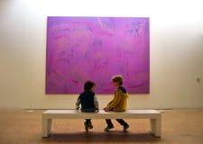 Ultraviolett filosofi på det Lille Metropole museet av modern, modern och utomstående konst royaltyfria foton
