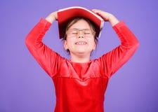 Ulubiona bajka Edukacja i dzieciak literatura Jak wyzwanie ty Urocze dziewczyny miłości książki Dzieciak dziewczyna z książką lub zdjęcia stock