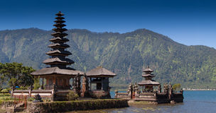 Ulun Danau tempel, Bali Indonesien Arkivfoto