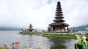 Ulun Danu Bratan寺庙美好的风景  股票视频