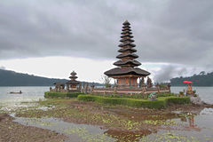 Ulun Danu and Bratan lake Stock Images