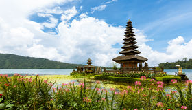 Ulun Danu tempel, Bali Royaltyfri Bild
