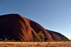 离Uluru较近 免版税库存照片