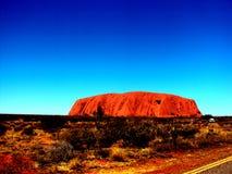 Uluru, Australie 19/10/2009 : Vue d'Uluru à la roche rouge entière d'Ayres en parc national d'Uluru-Kata Tjuta, territoire du nor Images libres de droits