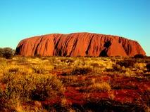 Uluru, Australie 19/10/2009 : Vue d'Uluru à la roche rouge entière d'Ayres en parc national d'Uluru-Kata Tjuta, territoire du nor Photographie stock