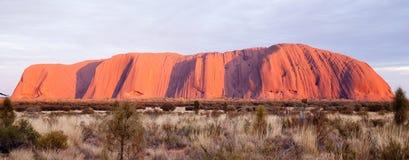 Uluru - Ayers vaggar Arkivbild