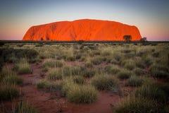 Uluru przy zmierzchem Zdjęcia Royalty Free