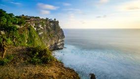 Uluwatu峭壁在巴厘岛 免版税库存图片