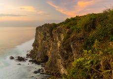 Uluwatu峭壁 免版税图库摄影