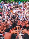 Uluwatu,巴厘岛,印度尼西亚- 2008年12月27日:Kecak舞蹈 免版税库存图片