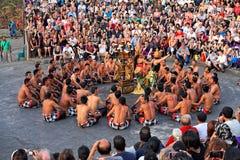 uluwatu för tempel för kecak för bali balinesedans Royaltyfri Fotografi