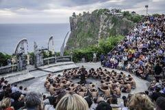 uluwatu för tempel för kecak för bali balinesedans Royaltyfri Bild