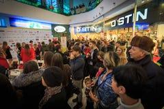 ULYANOVSK, ROSJA, GRUDZIEŃ 03, 2016: Piękno konkursu chybienie Ulyanovsk w centrum handlowym na Grudniu 03, 2016 w Ulyanovsk, Ros Fotografia Royalty Free