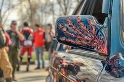 ULYANOVSK ROSJA, KWIECIEŃ, - 29, 2017 motocyklu sezonu otwarcie Czerepy projekt świetlicowy samochód Kościec na kapiszonie Zdjęcie Royalty Free