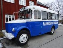 Um ônibus velho é bonito imagens de stock