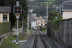 Um único título railway à cidade Fotografia de Stock Royalty Free