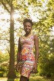 Um, adulto novo, 20-29 anos, americano do africano negro, por da mulher Imagem de Stock Royalty Free