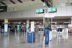 Um aeroporto em Europa Fotos de Stock Royalty Free