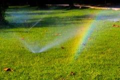 Um arco-íris inesperado aparece! fotografia de stock