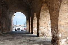 Um arco antigo em Heraklion, a capital da Creta Imagens de Stock