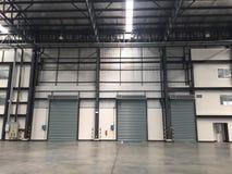 Um armazém é uma construção comercial para o armazenamento dos bens Fotografia de Stock