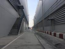 Um armazém é uma construção comercial para o armazenamento dos bens Foto de Stock