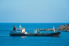 Um armazenamento de óleo principal e uma facilidade terminal, Creta, Grécia fotografia de stock