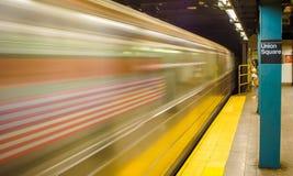 Um assinante solitário falta seu passeio do metro Imagens de Stock