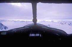 Um avião de Piper Bush em Saint Elias National Park, Alaska Fotografia de Stock Royalty Free