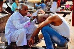 Um barbour em Varanasi, Índia Imagem de Stock Royalty Free