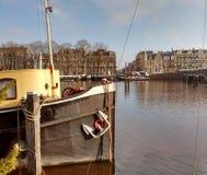 Um barco foto de stock