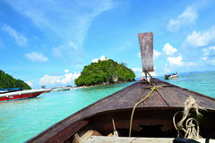 Um barco tradicional em Krabi Fotografia de Stock