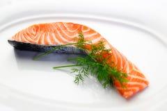 Bife Salmon cru com aneto Fotos de Stock Royalty Free