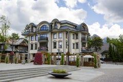 Um bloco de apartamentos moderno em Zakopane Foto de Stock Royalty Free