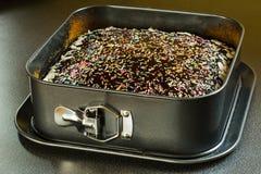 Um bolo caseiro Fotos de Stock Royalty Free