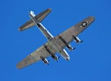 Um bombardeiro da fortaleza do voo de B-17G, viagem sentimental Foto de Stock Royalty Free