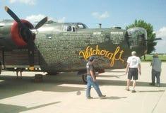 Um bombardeiro de WWII B-24 na exposição durante o festival aéreo Foto de Stock