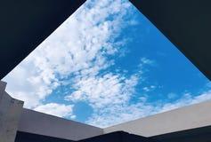 Um céu dramático fotografia de stock