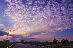 Um céu nebuloso fotografia de stock royalty free
