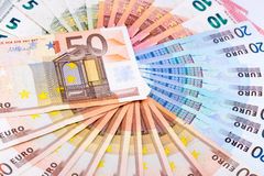 Um círculo completo de euro- cédulas Fotos de Stock
