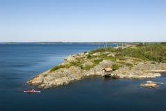 Caiaque no arquipélago de Éstocolmo imagem de stock